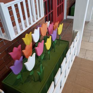 Billings Bridge Mall - Tulip Decor