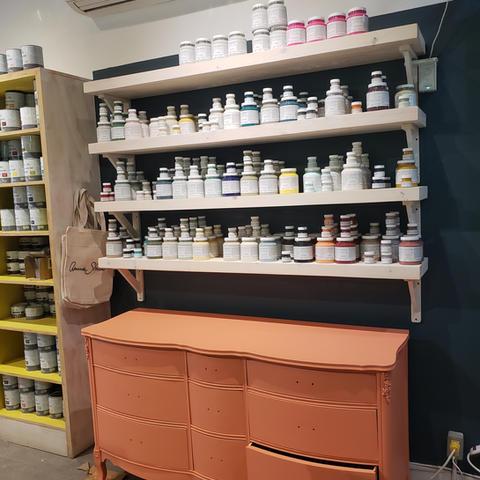 Malenka Originals - Paint shelving