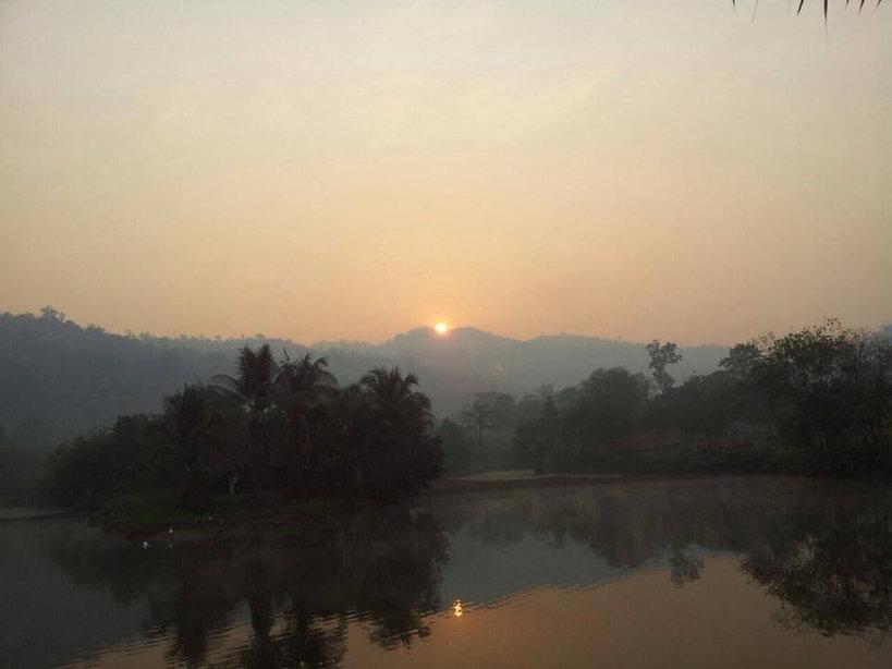 พระอาทิตย์ 2.jpg