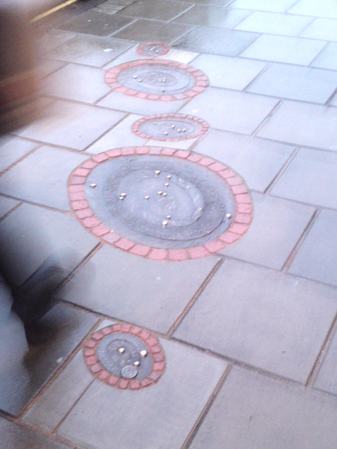 Water droplets pavers