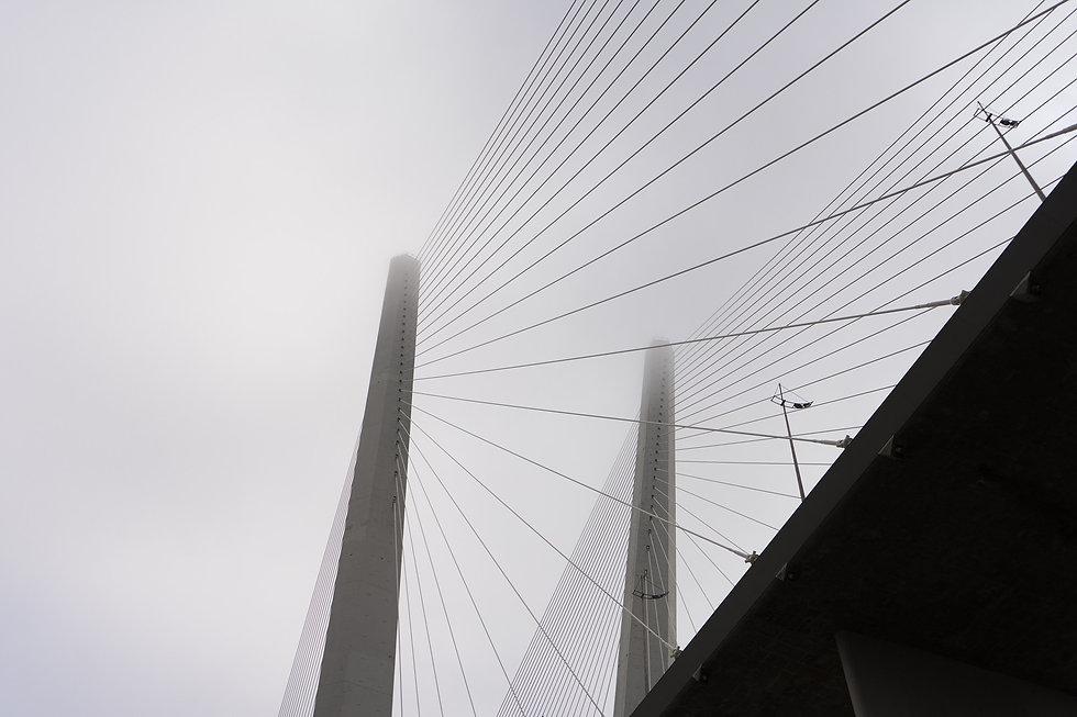 bridge-4546141_1920.jpg