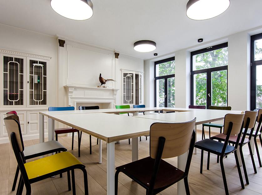 2014-Architectenbureau KNAP-PWA-Renovatie-stoel-vergaderzaal-01