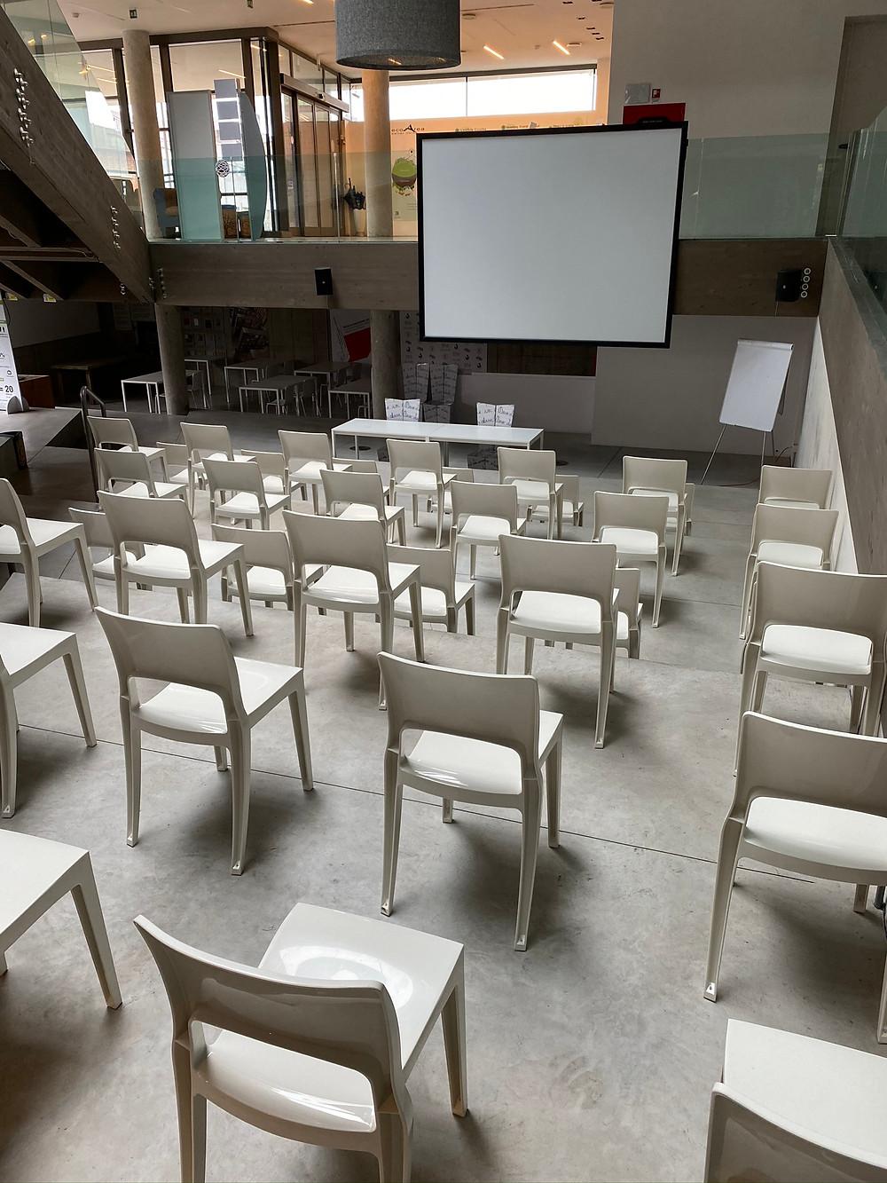 Le sedute di Ecoarea, distanziate per la sicurezza interpersonale