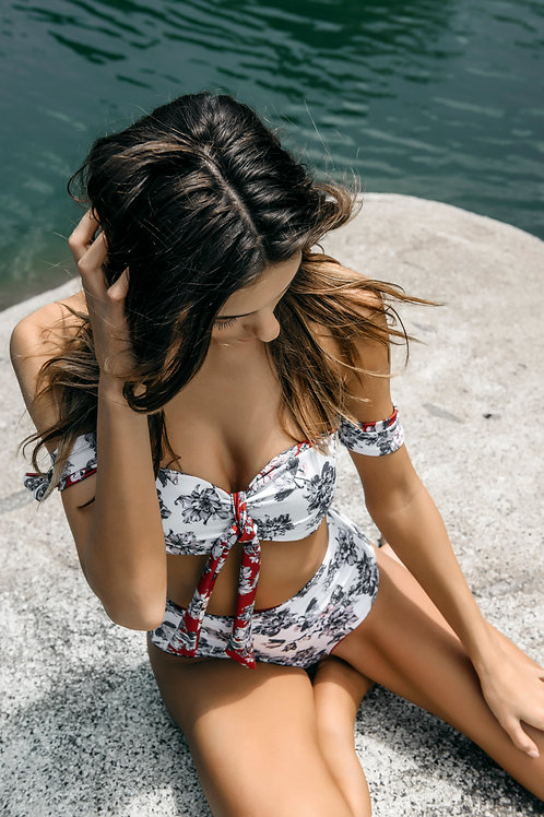 Boamar Neruda Reversible Top: Red/white floral
