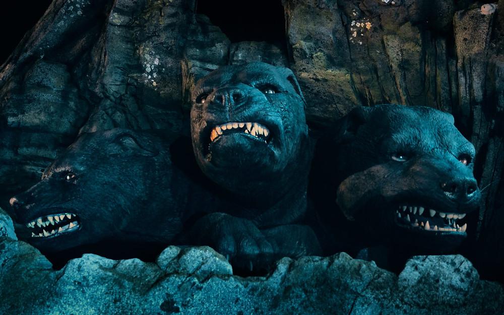 Fofo cão de 3 cabeças Hagrid's Magical Creatures Motorbike Adventure