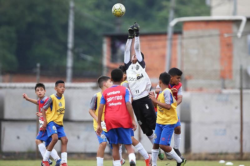 Futsal e categorias de base são foco de live semanal PrósantosFC