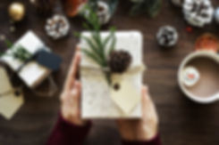 Seasonal picture with gift box