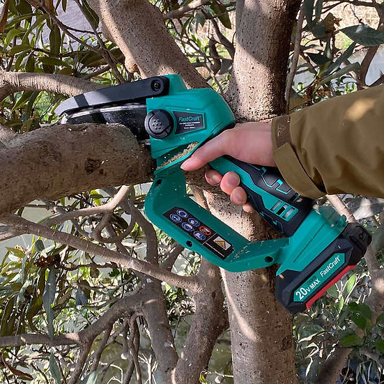 20V Li-Ion One-Handed Chainsaw
