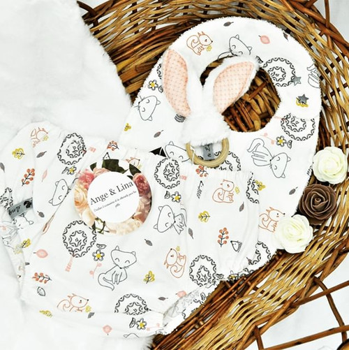 Bavoir en 3-18 mois Bloomer en 18 mois Anneau de dentition