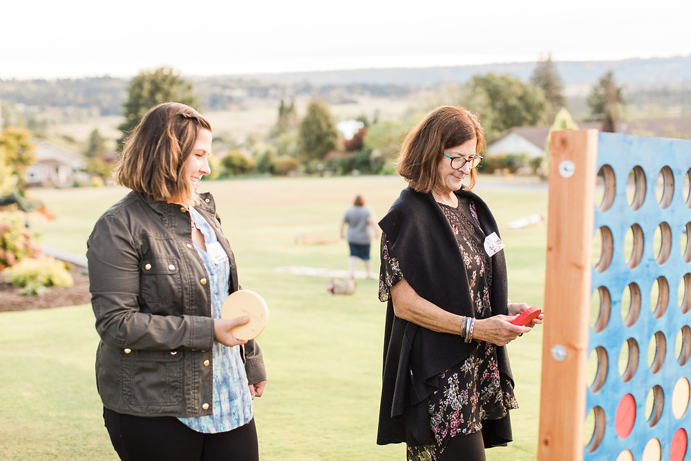 Yard games at snohomish wedding venue
