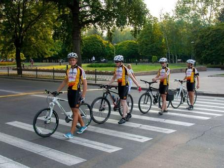 Велосипедистов Кишинева призывают переходить дороги по правилам