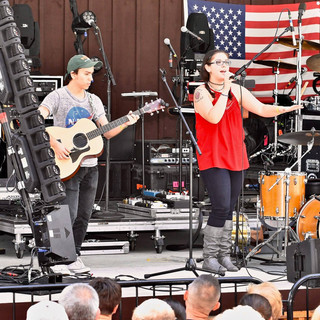 opening for Hunter Hayes