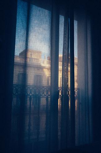 drapes-1209999.jpg