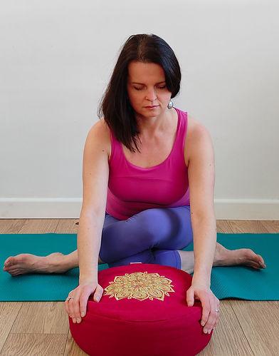 Shoelace Pose, Yin Yoga
