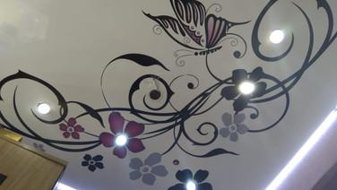 натяжные потолки с подсветкой Геленджик kristall