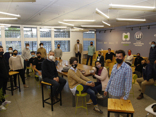 Emprendedores mendocinos compartieron sus experiencias en el Coworking U!