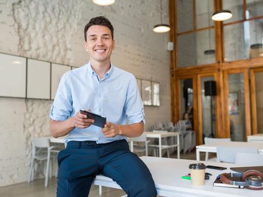 Becas para jóvenes interesados en la tecnología