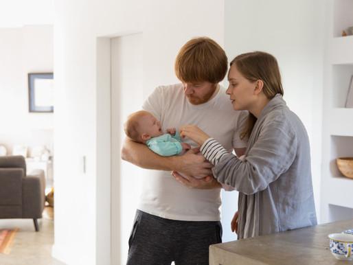 ¿Deben ser iguales las licencias por maternidad y paternidad?