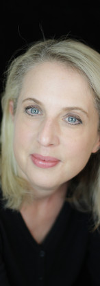Corporate photogrpahy, branding photography, personal branding, headshots, profile picture, woman, blond
