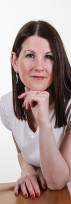 Corporate photogrpahy, branding photography, personal branding, headshots, profile picture, woman, studio, colour