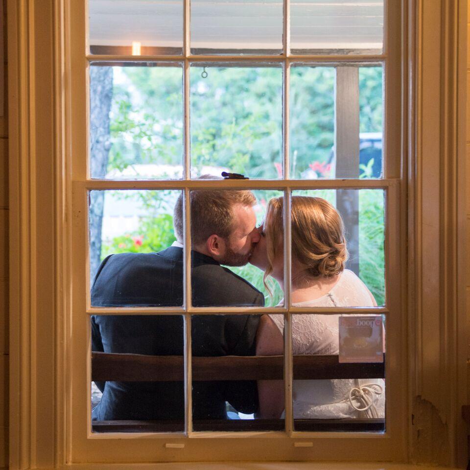 window kiss