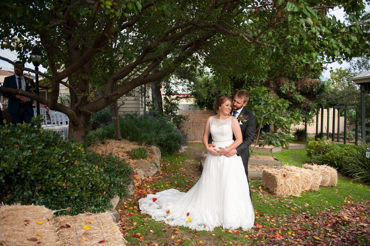 Bride & Groom in Garden.jpeg