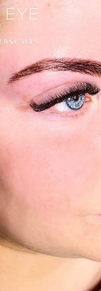 Henna + Lashes for the beautiful Katie ?
