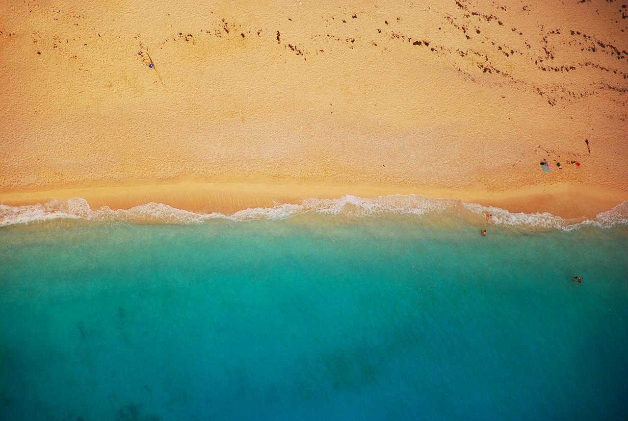 beach-832346_1280.jpg