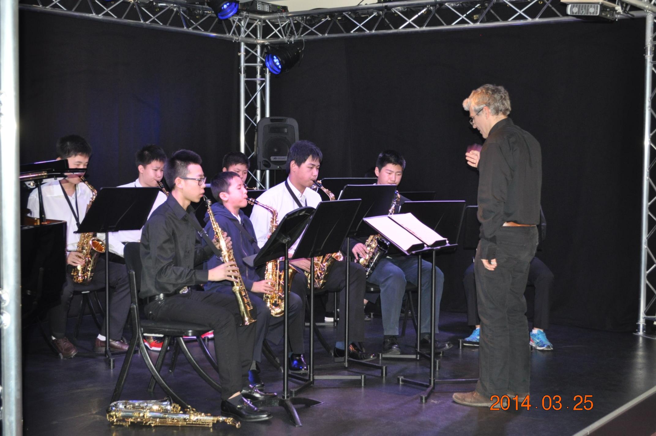 尚音学生赴法国参加音乐会表演