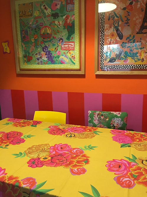 Toalha de mesa florida amarela