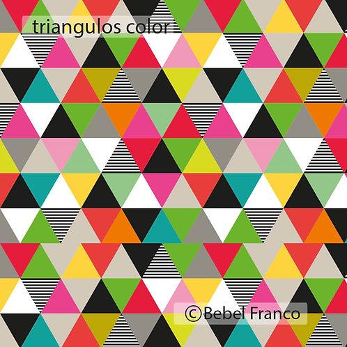 Tecido com estampa triangulos color