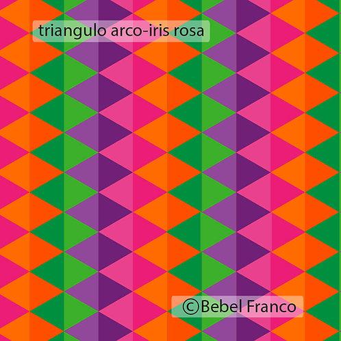 Tecido com estampa para decoração e triângulo arco-iris rosa