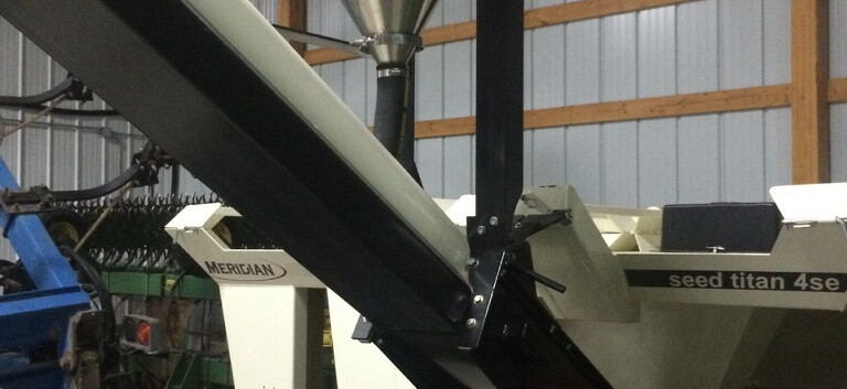 CT Standard Dry Applicator mounted on Meridian® Seed Titan™ 4SE.