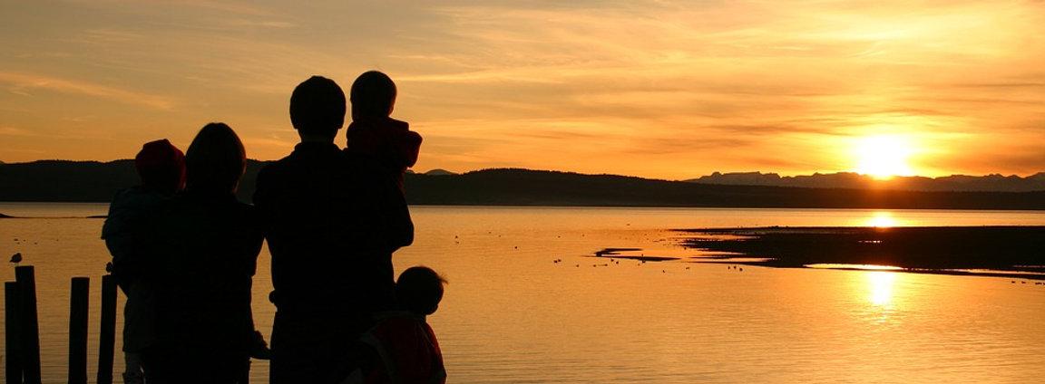 sunsets-1328102_960_720.jpg