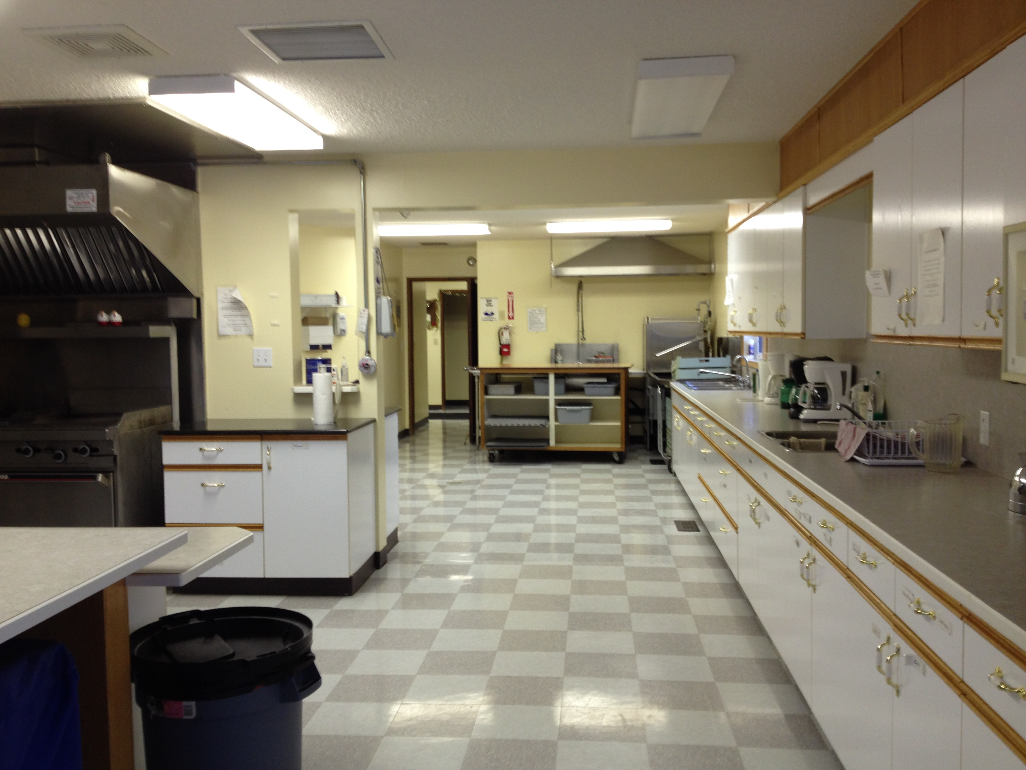 Large Kitchen.JPG