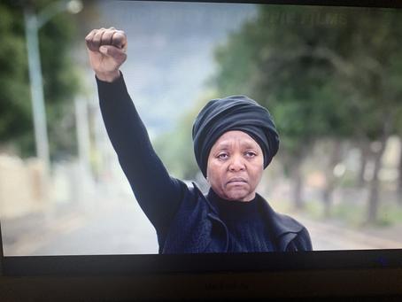 Cinéma : Poppie Nongena, le courage face à la bêtise!