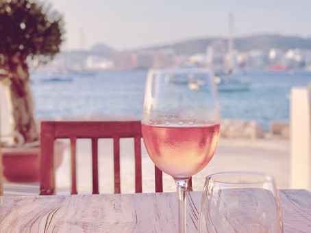 How To Pick Rosé: 5 Practical Tips For Your Holiday