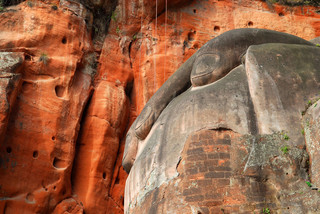 Lingyun Giant Buddha hand, Leshan