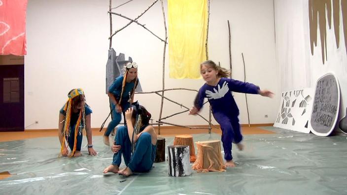 fishdance.jpg