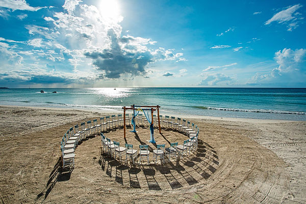 Beaches-Negril-Beach-Wedding-Arrangement.jpg