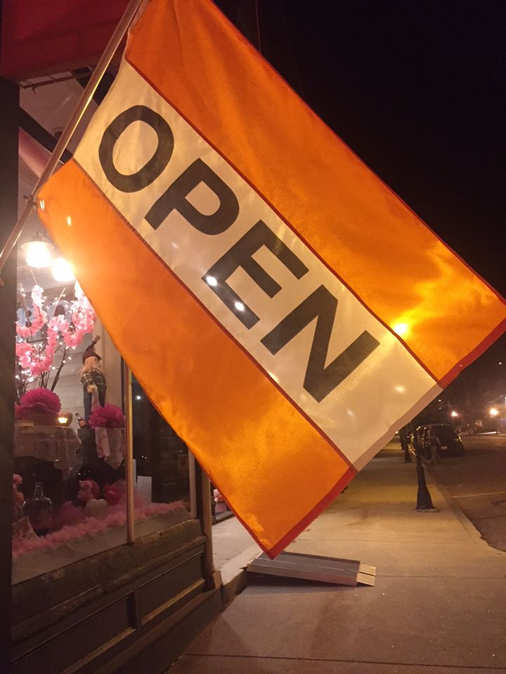orange-open-flag