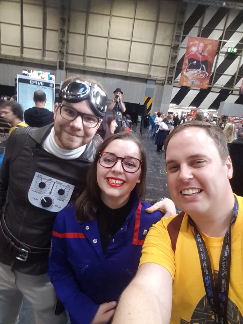 Rob gets to meet Dana (@StaticWarpBubbl) and Matt (aka NX-01 officer and Captain Proton) at DST Birmingham 2018