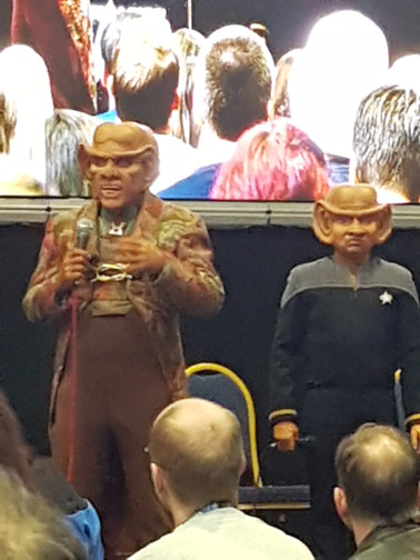 Quark (Armin Shimmerman) and Nog (Aron Eisenberg) together again at DST 2018