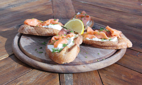 Salmon Bruschetta