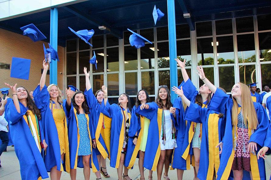 20200528-140342-21763 BH Graduation B.jp