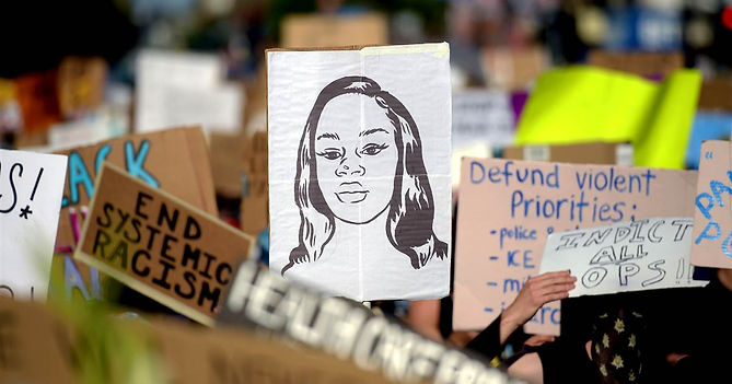 200617-breonna-taylor-protest-sign-ew-52