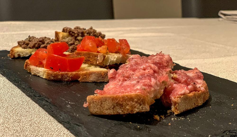 Bruschette toscane in aperitivo