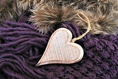 wooden-heart-3078247_1920.jpg