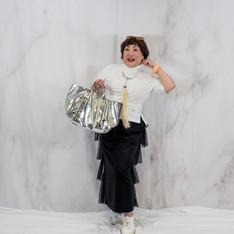 ■ティアードチュチュのフリルがカジュアルを一新させるタイトスカート