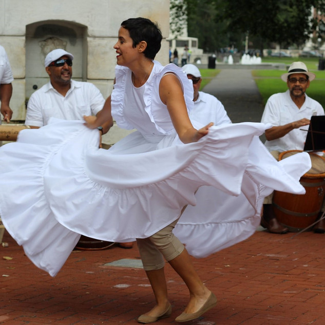 Movimiento Cultural performs on the NH Green